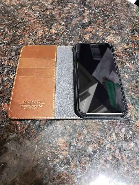 [REVIEW] Nomad Leather Folio for the iPhone X-llpw3gi.jpg