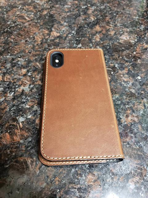 [REVIEW] Nomad Leather Folio for the iPhone X-7y44n5m.jpg