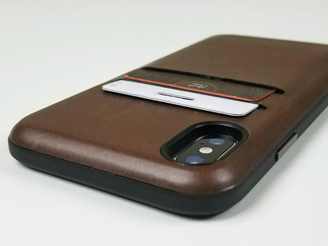NOMAD Leather Card Case for the iPhone X-20180326_222233.jpg