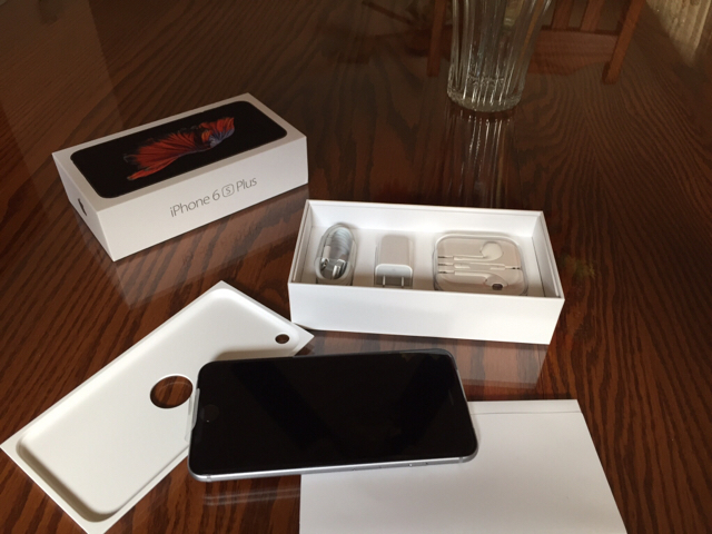 iPhone 6s and iPhone 6S Plus First impressions and unboxing-imageuploadedbyimore-forums1445369055.504791.jpg