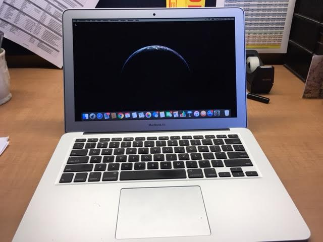"13"" Apple MacBook Air (Early '15)-open.jpg"