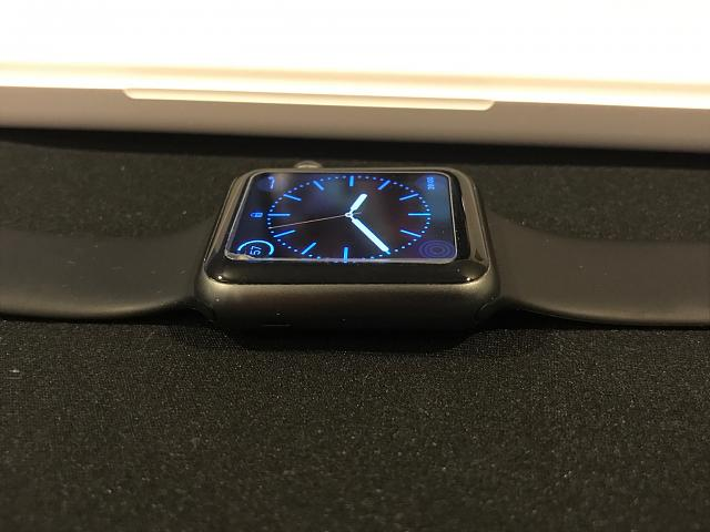 SOLD: Apple Watch 1st Generation. Space Gray with Black Sport Band 42mm-img_7704.jpg
