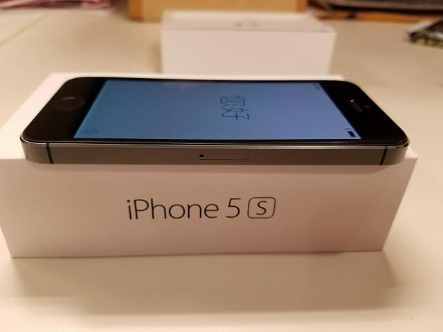Unlocked iPhone 5S 32GB Space Gray - FINE condition-20170313_111900.jpg