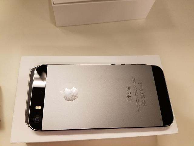 Unlocked iPhone 5S 32GB Space Gray - FINE condition-20170313_112109.jpg