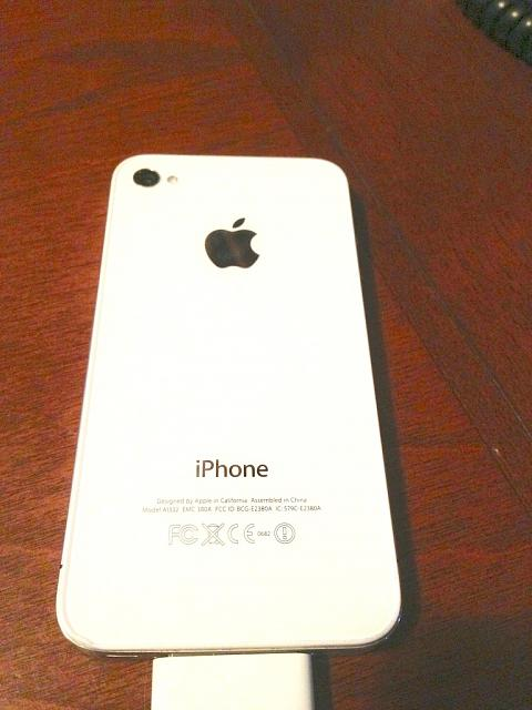Apple iPhone 4 8GB for AT&T-img_0748.jpg