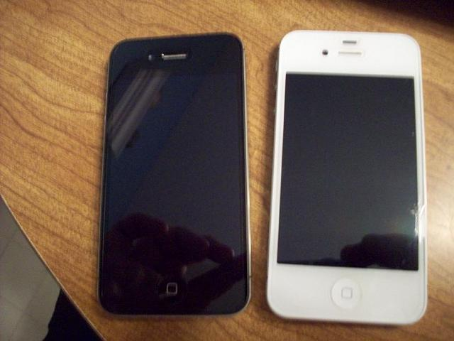 WTS: White 16GB iPhone 4S for Verizon-front.jpg