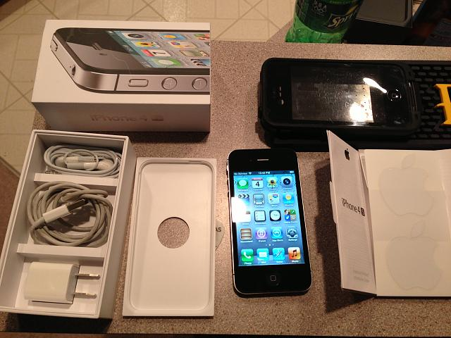 WTS: AT&T iPhone 4S 32GB JB'n - only 3 months old w/9 mo of warranty left and extras-img_7068.jpg