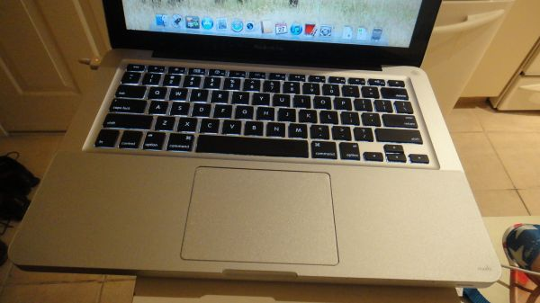 WTS: Macbook Pro (2011) 2.3 i5 processor, 6GB RAM and 320 HDD + EXTRAS-macbook3.jpg