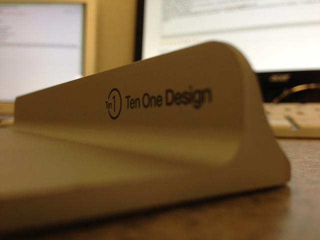 WTS:  Ten One Magnus iPad Stand-img_0565.jpg