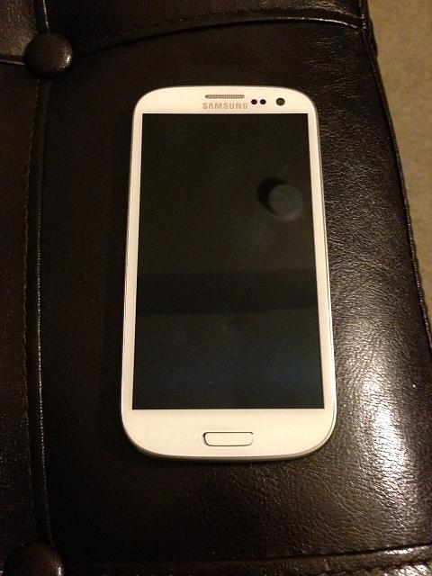 WTT: 32 gb Samsung Galaxy S3 *white* VZW-photo-2.jpg