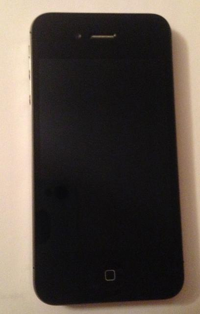 WTS iphone 4S Black 16gig-img_1877.jpg