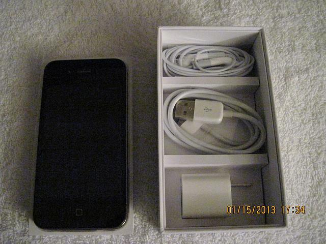 AT&T iPhone 4 32GB Black MINT & LOTS of Accessories-iphone-4-07.jpg