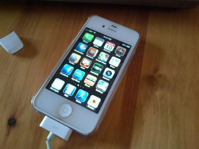 WTS: bell 16GB iPhone 4s-photo-1.jpg
