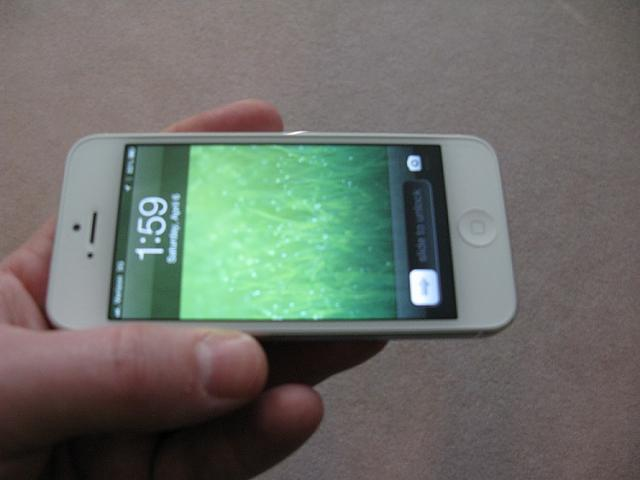 WTS:  iPhone 5 64GB White (Verizon) w/  AppleCare+ 1 Month Old-img_3341.jpg