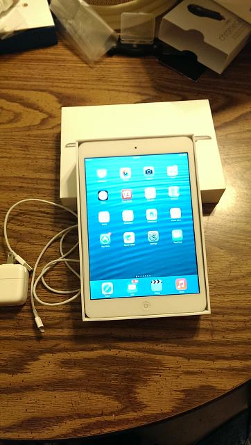 *Mint* White iPad Mini 16GB-imag0032-1-.jpg