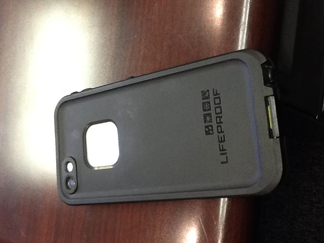 AT&T iPhone 5 - white, 16gb, Lifeproof case-photo-2.jpg