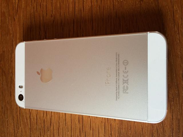 AT&T iPhone 5s (64 GB White/Silver) 10/10 Condition-img_0003.jpg