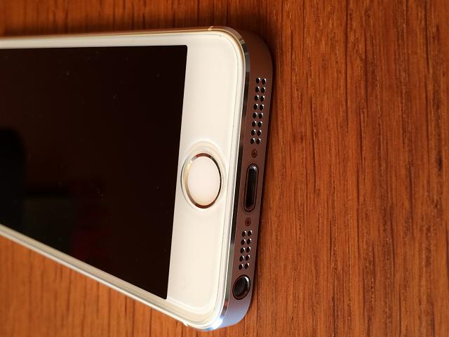 AT&T iPhone 5s (64 GB White/Silver) 10/10 Condition-img_0006.jpg