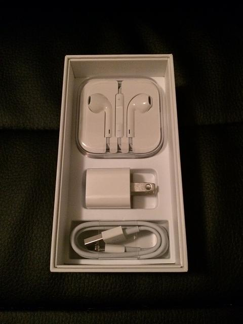WTS: Mint condition Apple iPhone 5 (16GB, White, Verizon)-photo3.jpg