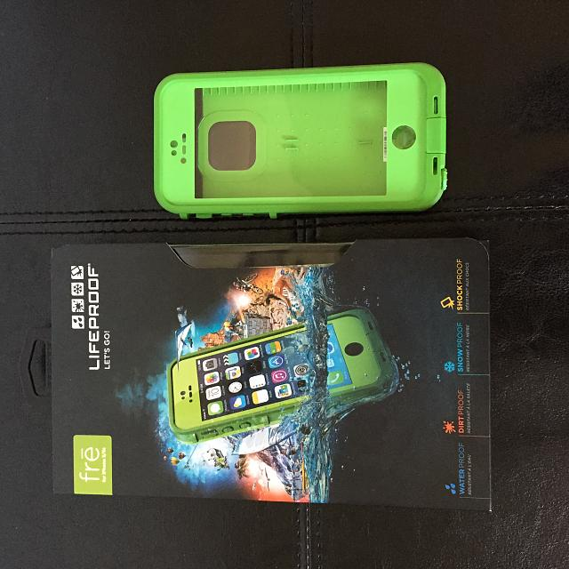 LifeProof frē case (in Lime) for the iPhone 5/5S WITH Touch ID Feature-img_0052.jpg
