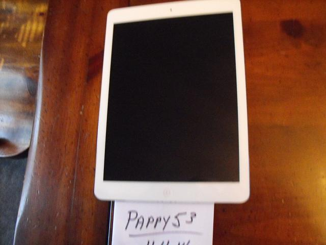 Trade 16GB white wi-fi iPad Air for AT&T or unlocked iPhone 5S-dscf5082.jpg
