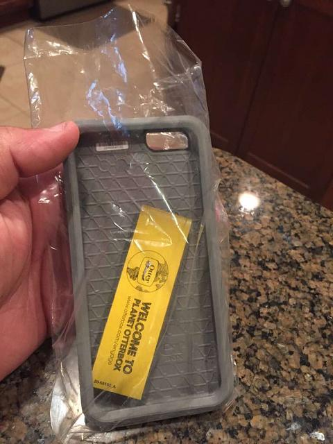 WTS: Otter symmetry case for iphone 6-imageuploadedbyimore-forums1422584992.423806.jpg