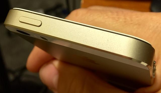 WTS iPhone 5s 32 Gold Unlocked, lots of accs.-vqaxlld.jpg