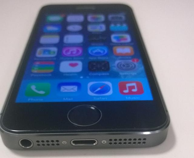 NEW UNLOCKED iPhone 5S 64GB Space Gray-wp_20150226_002.jpg