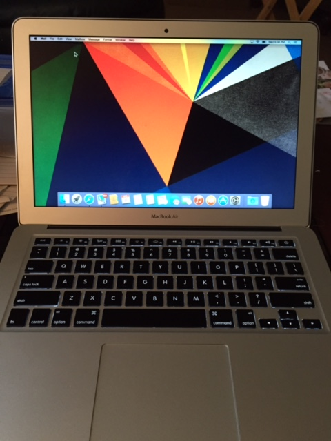 Apple MacBook Air / Mid-2013-front.jpg