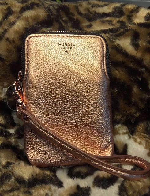 WTS: Rose gold Fossil wristlet for cards and phone-img_1469835157.662174.jpg