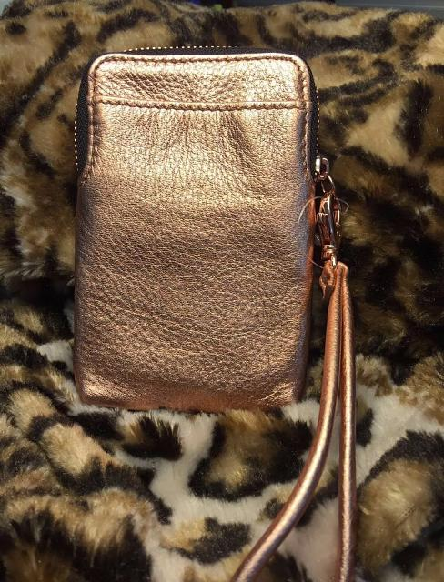 WTS: Rose gold Fossil wristlet for cards and phone-img_1469835165.479456.jpg