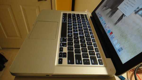WTS: Macbook Pro (2011) 2.3 i5 processor, 6GB RAM and 320 HDD + EXTRAS-macbook2.jpg