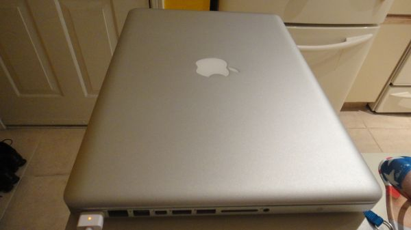 WTS: Macbook Pro (2011) 2.3 i5 processor, 6GB RAM and 320 HDD + EXTRAS-macbook5.jpg