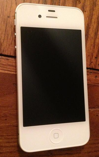 WTS iphone 4S White 16gig-img_1770.jpg