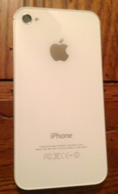 WTS iphone 4S White 16gig-img_1771.jpg