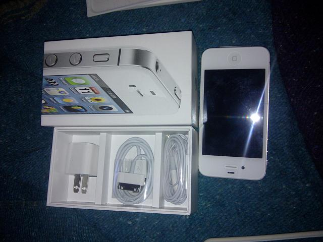 WTS: New Iphone 4S White Verizon-cimg_2012-12-13-115504.jpg