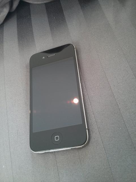 WTS: Used iPhone 4s 64gb Black AT&T w/ a Lifeproof Case-2012-12-15-12.27.48.jpg