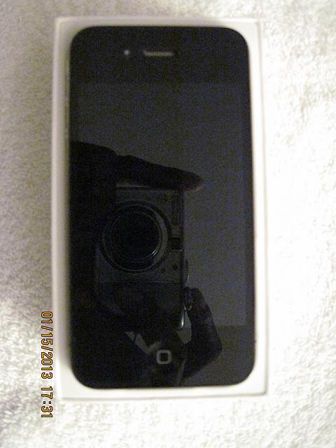 AT&T iPhone 4 32GB Black MINT & LOTS of Accessories-iphone-4-04.jpg
