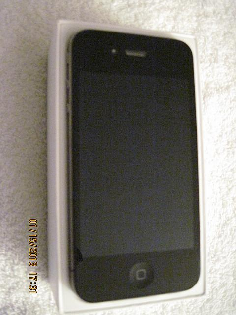 AT&T iPhone 4 32GB Black MINT & LOTS of Accessories-iphone-4-05.jpg