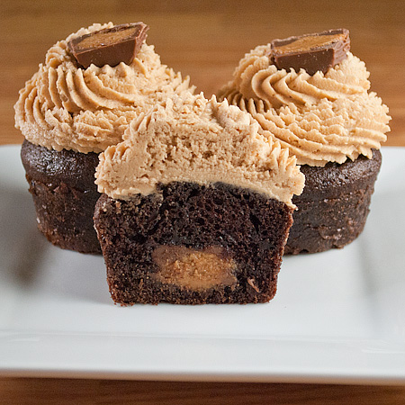 The iMore 20K / 50K Post Challenge - Are you up for it?-gourmet-reeses-cupcakes-inside.jpg