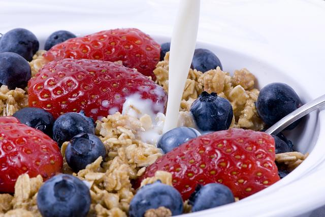 The iMore 20K / 50K Post Challenge - Are you up for it?-breakfast-energy-fruit.jpg