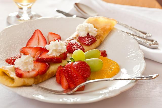 The iMore 20K / 50K Post Challenge - Are you up for it?-fruit-crepes.jpg