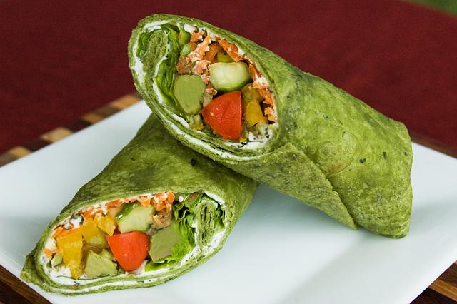 The iMore 20K / 50K Post Challenge - Are you up for it?-veggiespinachwrap.jpg
