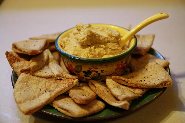 The iMore 20K / 50K Post Challenge - Are you up for it?-hummus-pita-chips.jpg