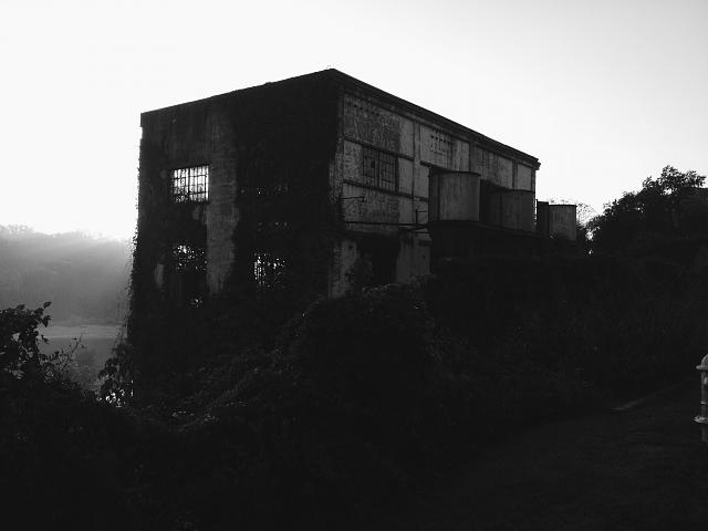 Weekly photo contest: Abandoned buildings!-vscocam_1381360425.199574.img_2222.jpg