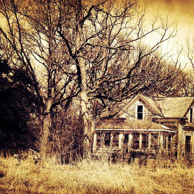 Weekly photo contest: Abandoned buildings!-imageuploadedbytapatalk1381449442.199059.jpg