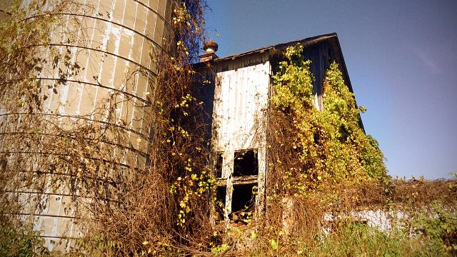 Weekly photo contest: Abandoned buildings!-img_2506.jpg