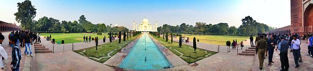 Weekly photo contest: Panoramas!-tajmahal-india.jpg