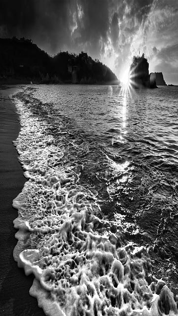 Iphone 5 wallpapers bw beach jpg