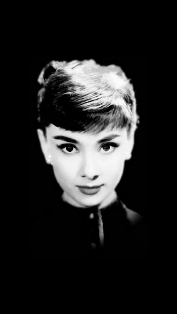 iPhone 5 wallpapers-audrey-black.jpg